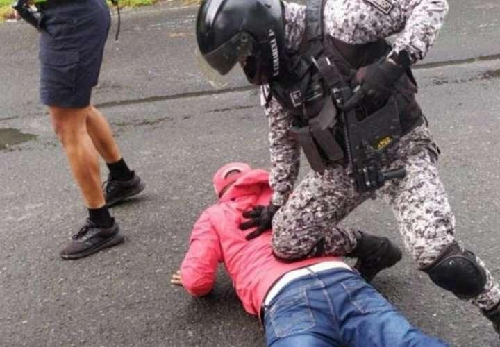 Colón: Detienen a miembros de Suntracs en medio de acto en honor a los mártires