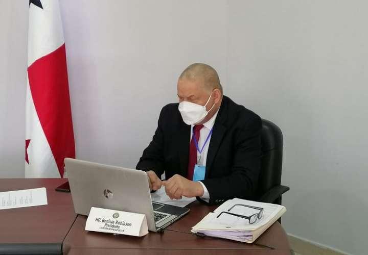 Porsidente Comisión de Presupuesto, H.D. Benicio Robinson.