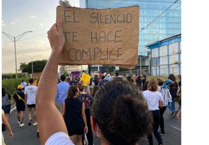 """Manifestantes piden a gritos: """"Nito, da la cara"""" (Videos)"""