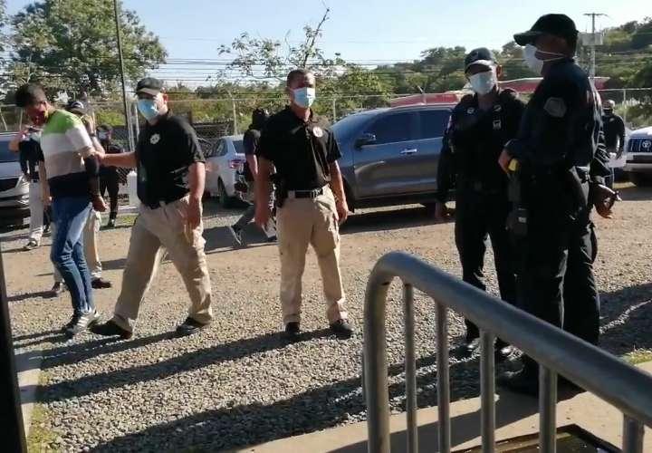 Condenan a tres sujetos por posesión agravada de drogas y armas