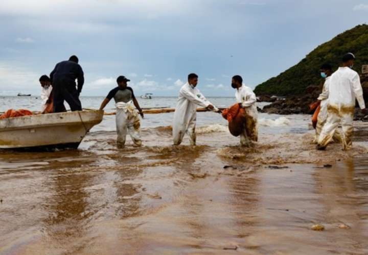 Desconocen dónde se produjo derrame que jodió a Taboga; evalúan el área