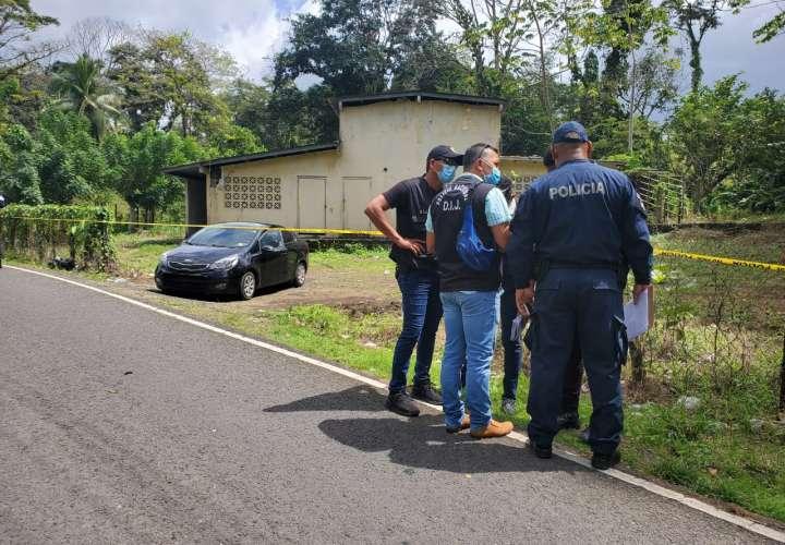 Asesinan a un hombre dentro de vehículo en Costa Arriba de Colón  [Video]