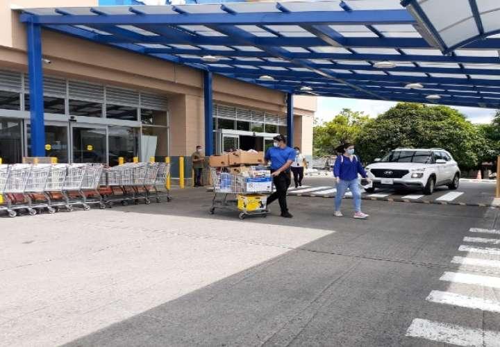 Comprar comida es la prioridad. Foto: Cortesía