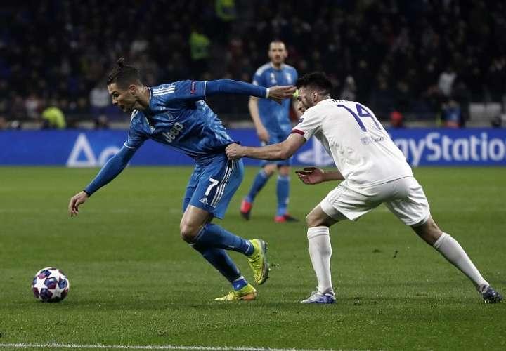 Cristiano Ronaldo volvió a entrenar. Foto: EFE