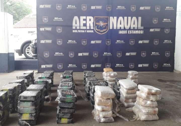 Decomisan más de 400 paquetes de droga en Puerto Caimito y Cristóbal