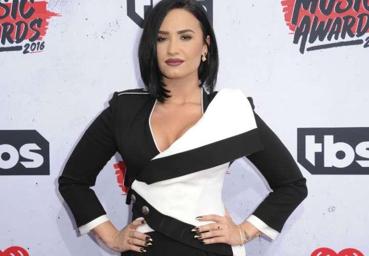 Demi Lovato acepta ir a un centro de rehabilitación
