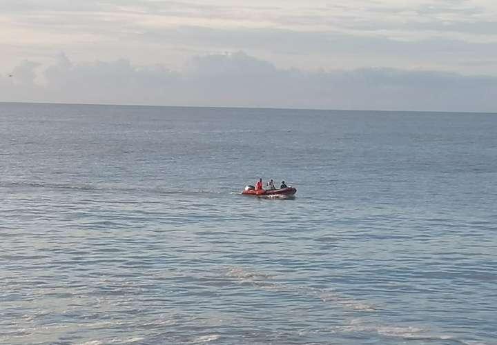 Continúan labores de búsqueda de hombre que está desaparecido en Playa Serena