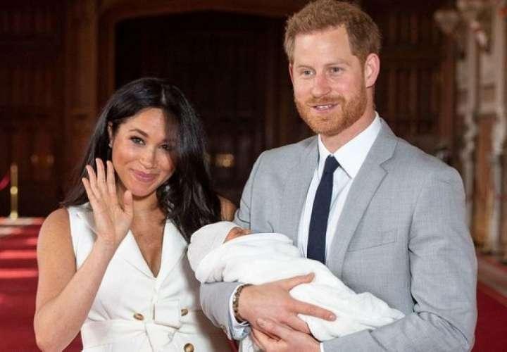 Carlos de Inglaterra no dejará que su nieto Archie sea príncipe
