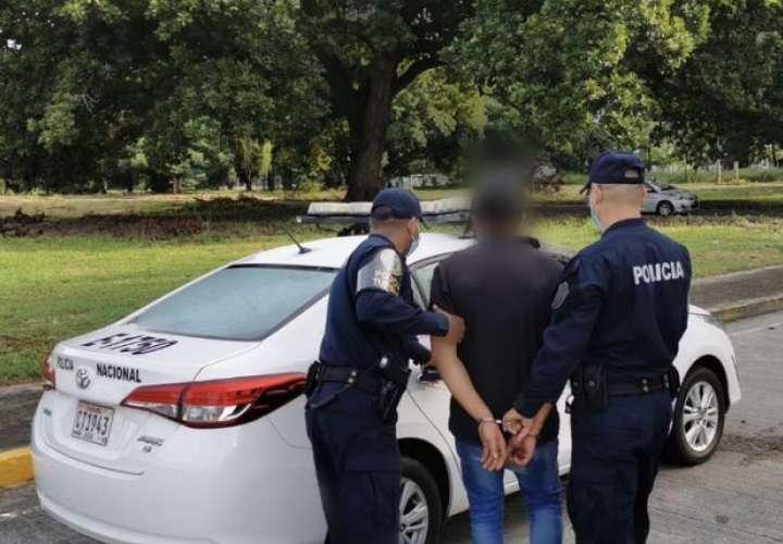 Un detenido y 7 sacos de droga en la Calzada de Amador [Video]