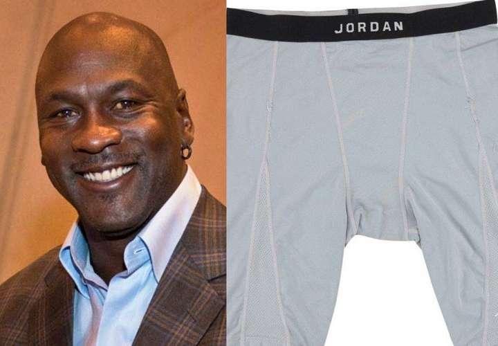 Subastan los calzoncillos más usados de Michael Jordan y ofrecen mucho dinero