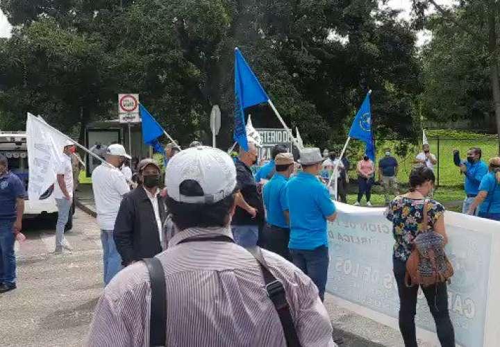 Docentes protestan en Meduca