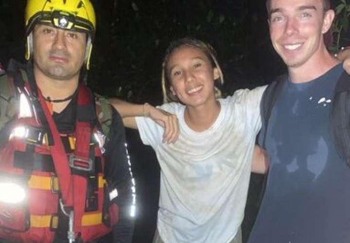 Rescatan a pareja de turistas en río de Chiriquí