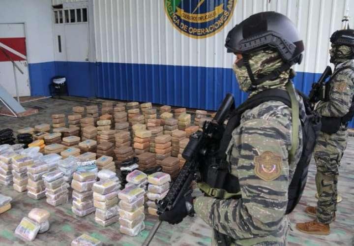 Aprehenden a 4 por tráfico de 470 paquetes de droga en costa de San Carlos