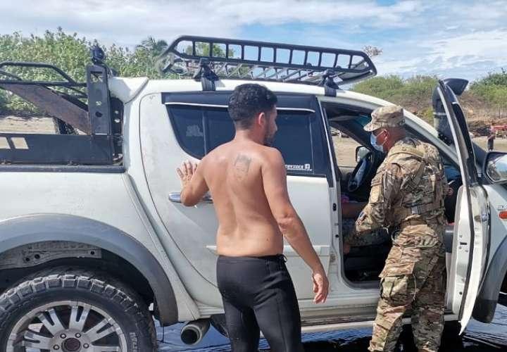 Senan rescata a tres personas que casi se ahogan en Los Santos