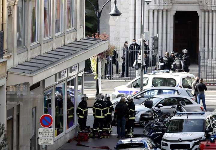 Tres muertos por arma blanca en un ataque terrorista en Francia