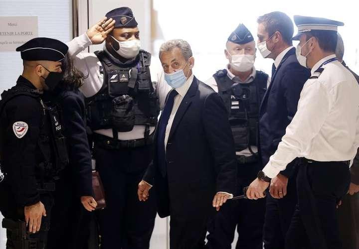 Sarkozy es condenado a tres años por corrupción y tráfico de influencias
