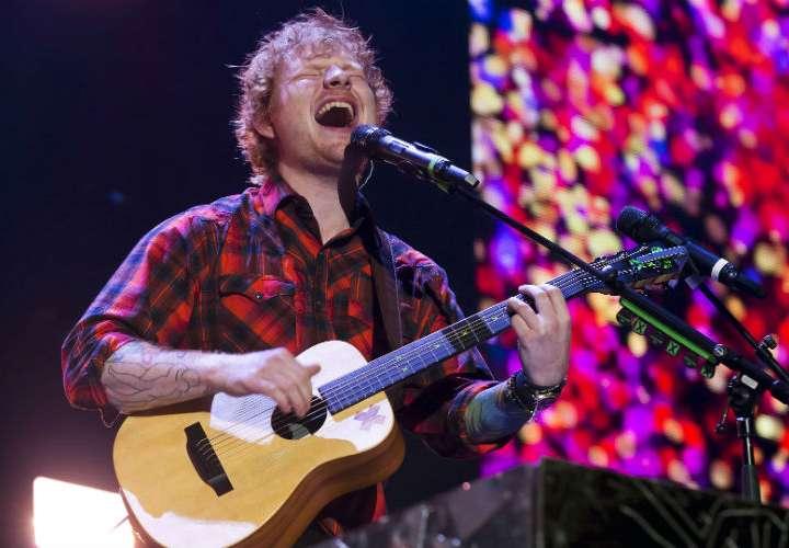 Ed Sheeran se aleja de los escenarios para estar con su esposa