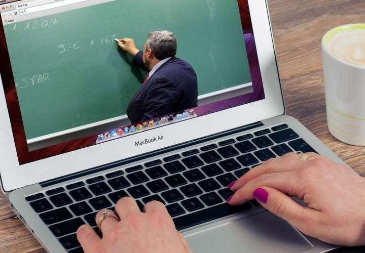 Ministerio de Educación explica sus estrategias para el nuevo año escolar