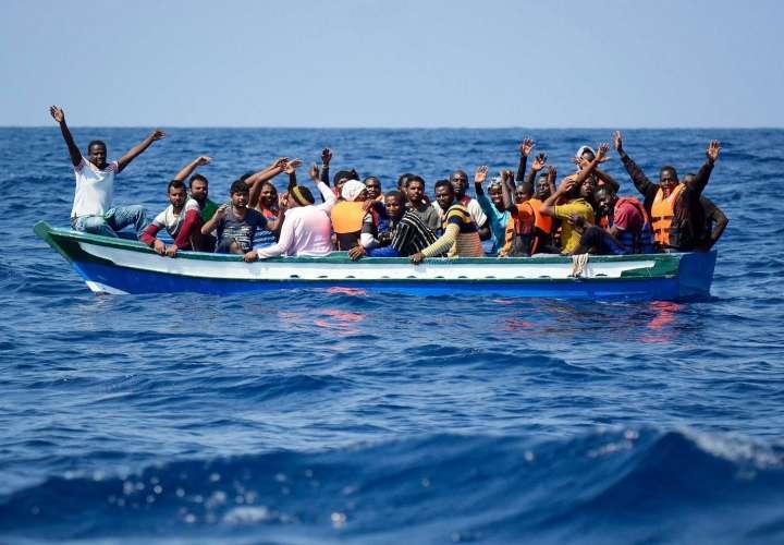 Panamá le quita el registro al Aquarius 2, España recibe a inmigrantes