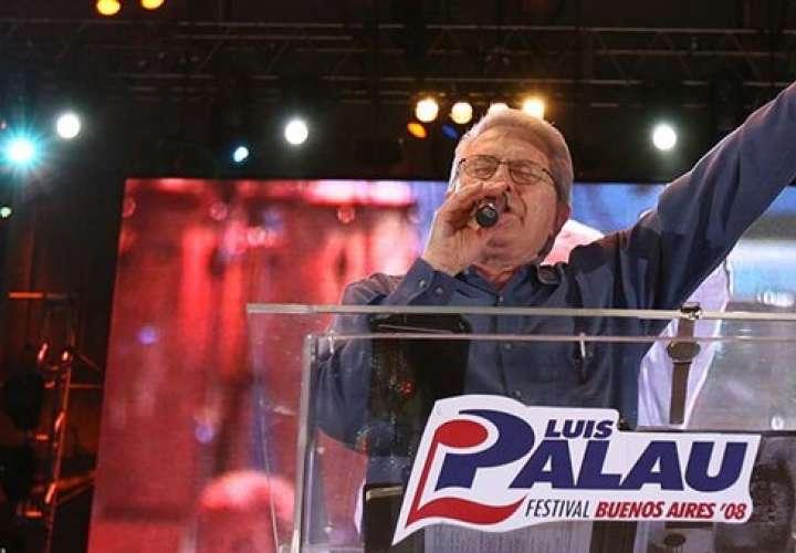 En 2008, Luis Palau congregó a cerca de un millón y medio de fieles en Buenos Aires (http://www.luispalau.net/)