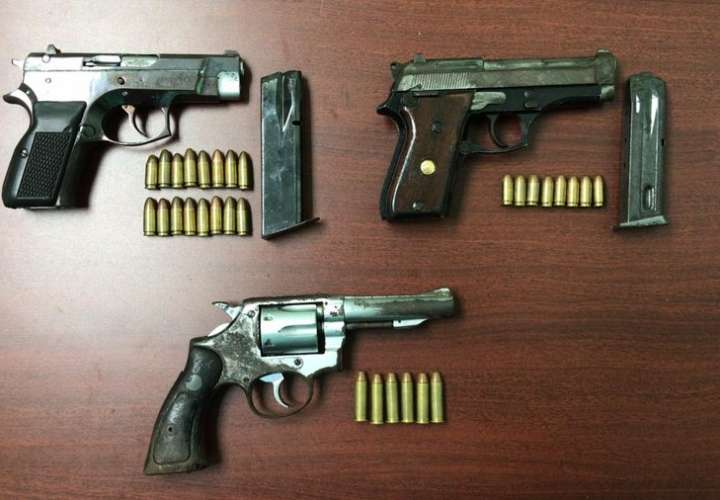 Pandillero entrega tres armas de manera voluntaria al Ministerio Público
