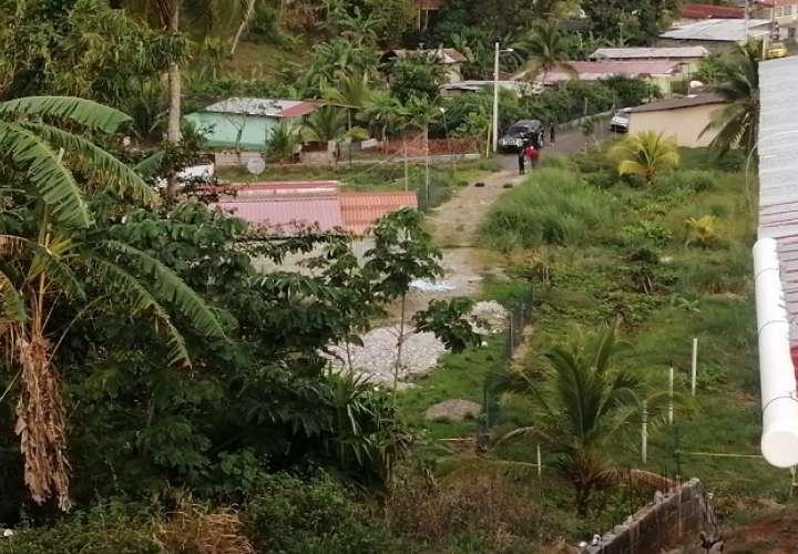 Vista panorámica de la escena del crimen de Emilio Escobar, conocido como 'Cauchito'.