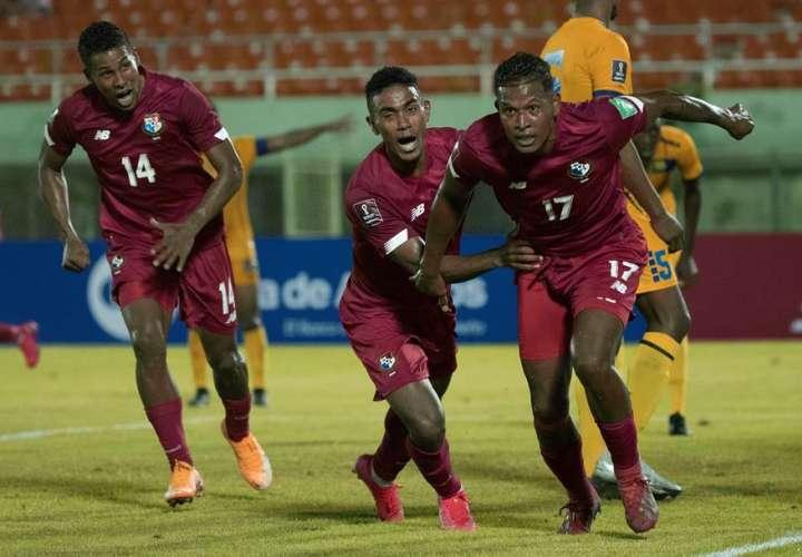 1-0. Un cabezazo de Catuy da un sufrido triunfo a Panamá ante Barbados