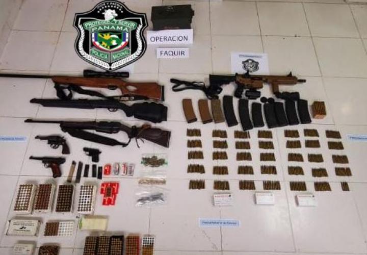 Decomisan armas, municiones y proveedores en Gorgona
