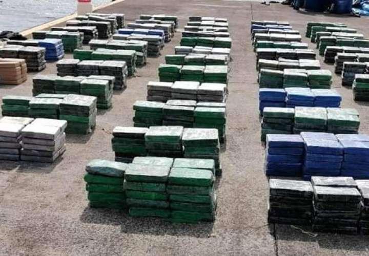 Tres colombianos y un hondureño a la chirola por traficar mil 646 kilos de coca