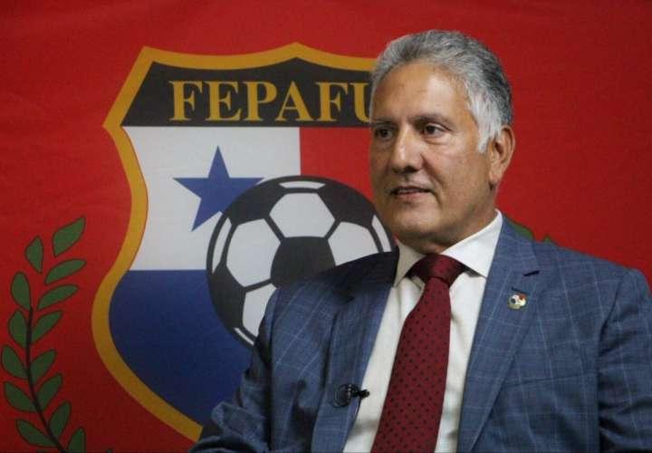 Pedro Chaluja señaló que el nuevo preparador se escogerá en el mes de marzo. Foto: Fepafut
