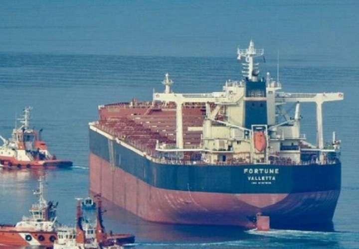 Tras 33 días, el tanquero iraní Fortune llega a aguas venezolanas con gasolina