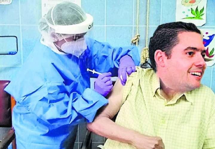 Vacunaciones arrancan