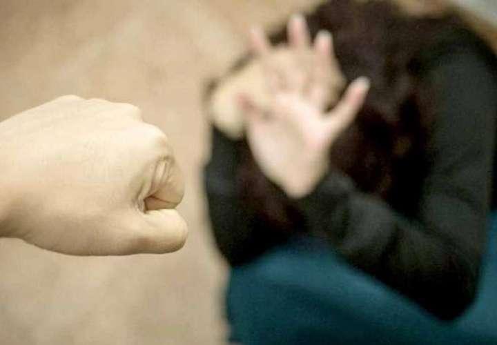 Agarró a su hija a golpes; ahora vivirá con los presos