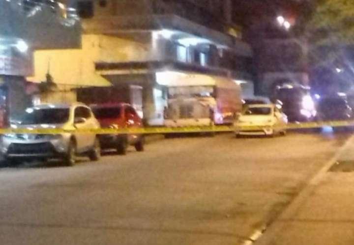 Hieren a mujer en medio de un asalto en Colón