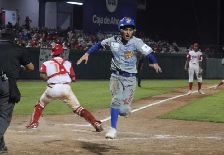 Herrera empata la Serie Final del béisbol Juvenil a Coclé