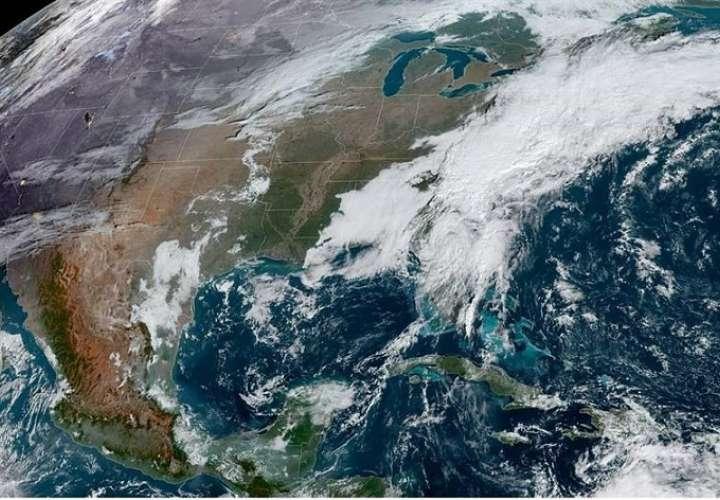 Fotografía satelital de la localización de la tormenta tropical Eta a las 9:51 hora local. EFE