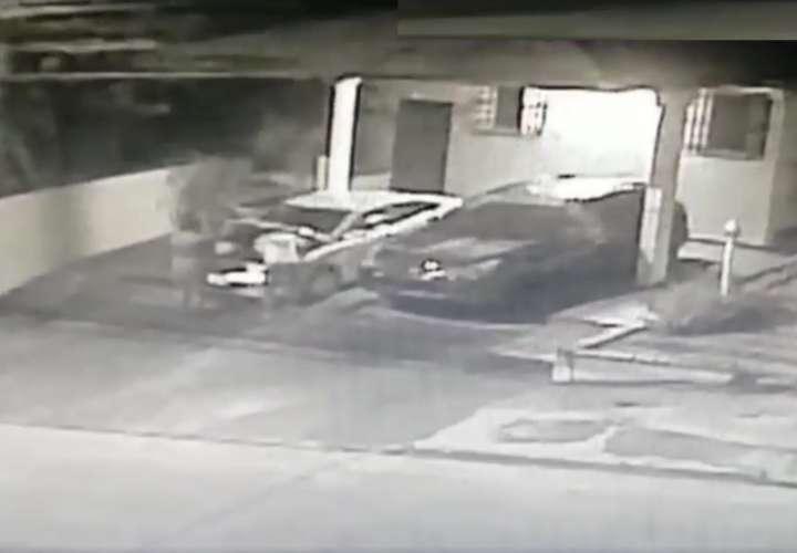 Residentes de Villa Lucre están cansados de que hurten artículos de sus autos