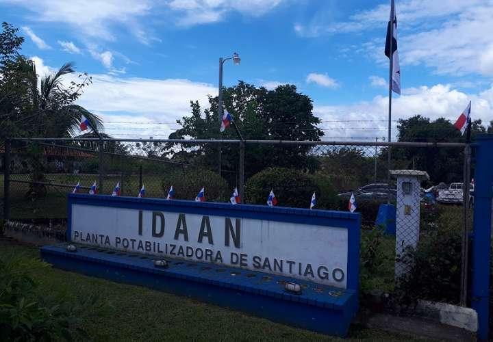 El Idaan se mantiene supervisando a la empresa que hace los trabajos en la potabilizadora de Santiago.