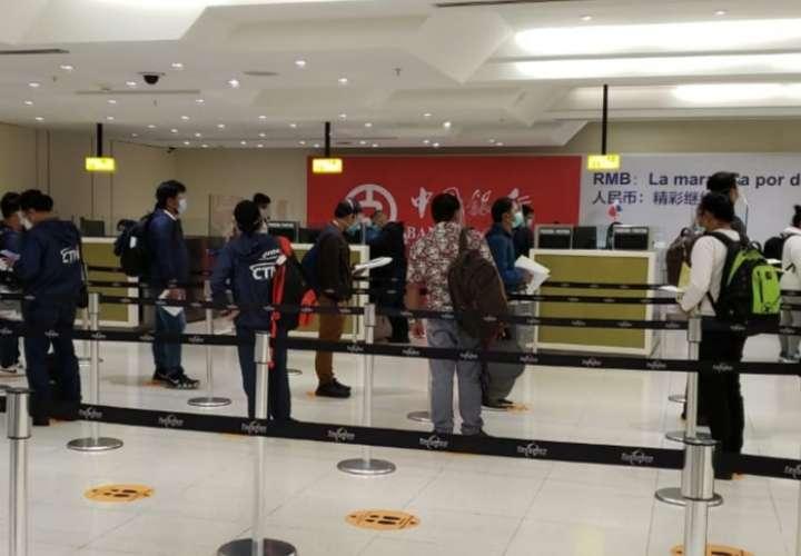 Devuelven a 11 colombianos por no cumplir requisitos de entrada al país