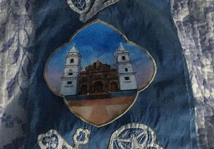 Francisco vistió ropa hecha por panameños