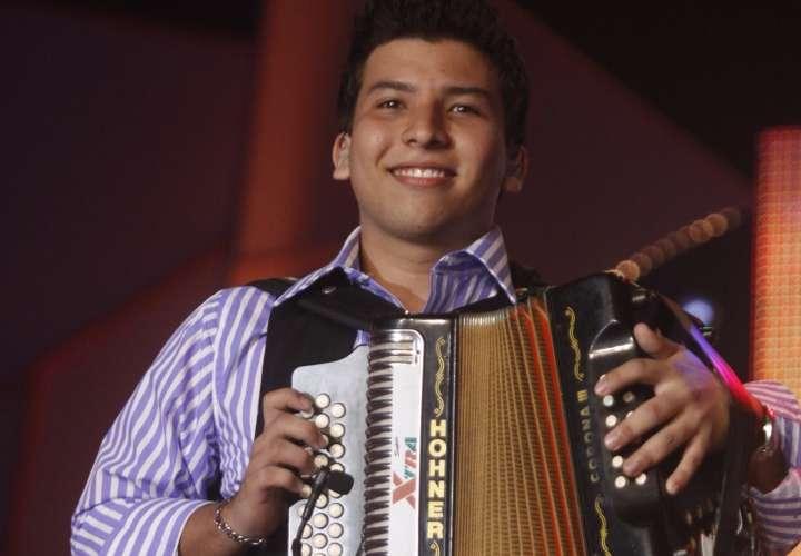 Marcelino Guerra prepara su primer álbum como cantautor
