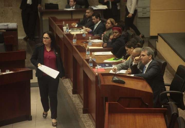"¡Pa' fuera el Ombudsman""!"
