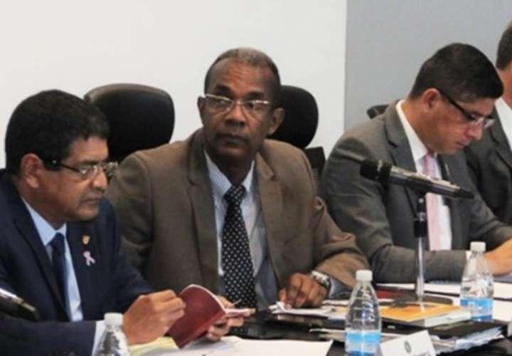 Inician entrevistas de aspirantes a Ombudsman
