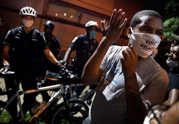 Protesta por la muerte de otro joven negro baleado