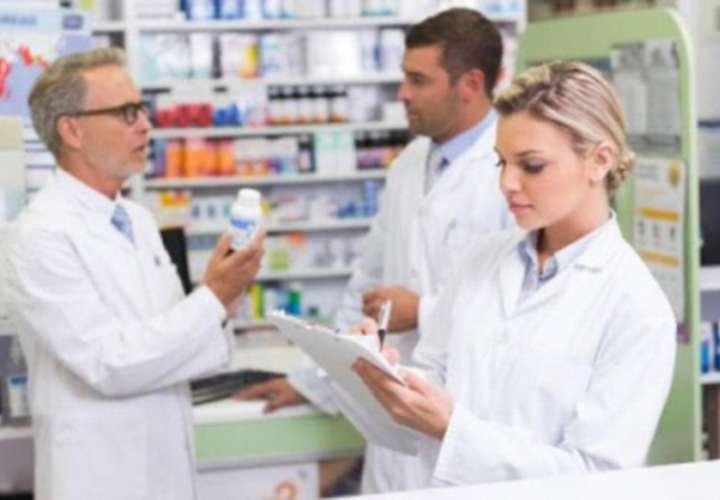 Farmacéuticos nuevos dicen que CSS y Minsa los 'chifean'