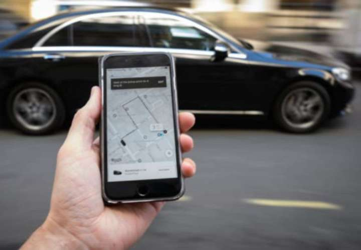Taxistas piden cierre de plataformas