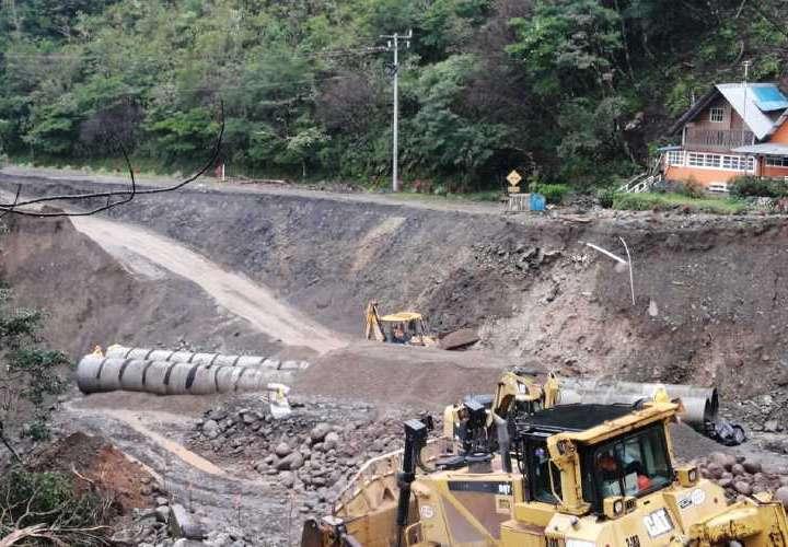 Siguen trabajos para rehabilitar vía Chiriquí-Bocas