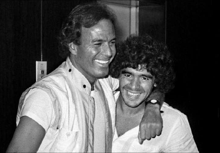 "Julio Iglesias: ""Te amaba mucho Diego"""