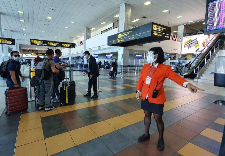 Prueba de antígeno detectó 440 coronavirosos en el aeropuerto
