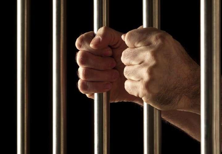 Condenado por violencia doméstica, privación y maltrato al menor